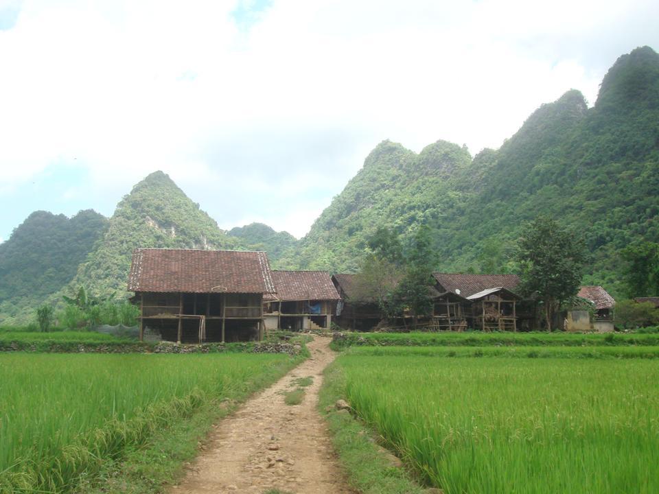Hà Nội – Hạ Long – Sapa –Đền Hùng – Cao Bằng Hà Nội